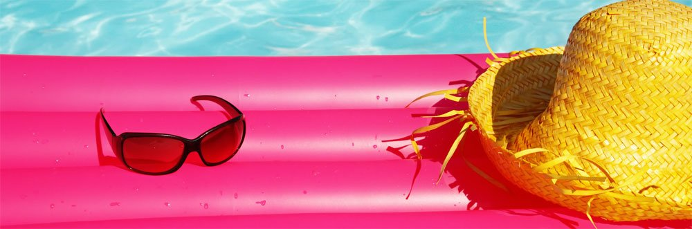 Luftmatratze im Wasser